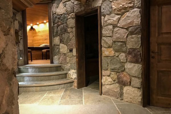 corridoio-baita-villa-gl-luxury-bodino-design-stradivari-interior